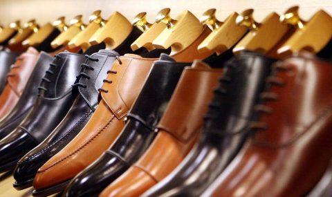 Esperienze: Visita al negozio di scarpe con i collant